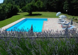 piscina con spigo