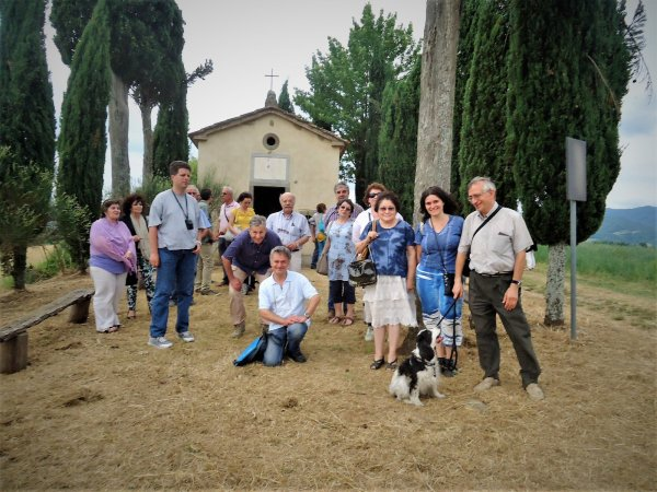WALKING TO THE CAPPELLINA DELL BRUNA (and more over)