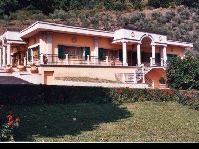 villa cerreto2